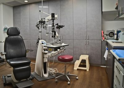 Vision Institute Downtown surgery suite