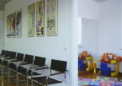 Dr. Ghidini: kids waiting area