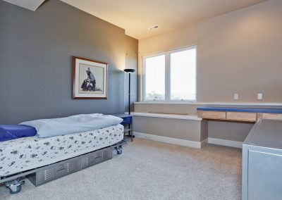 Family Friendly home: kids bedroom 3