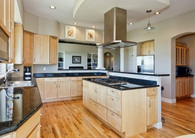 Family Friendly home: kitchen & butler pantry