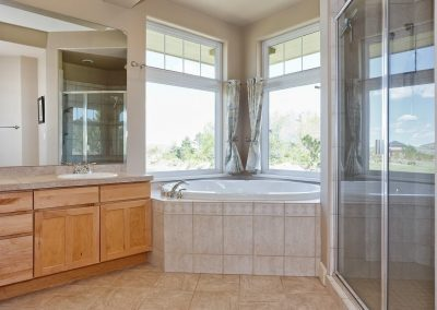 Family Friendly home: master bath